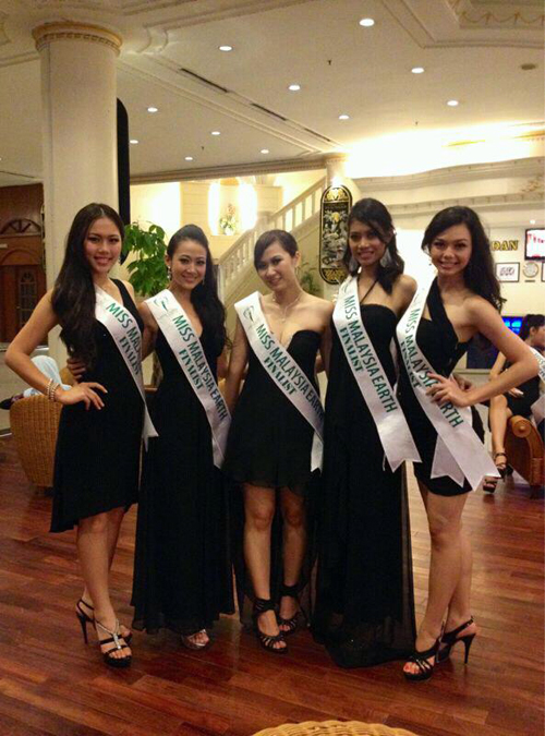 MES2012 with finalist from Selangor Miss Earth Malaysia 2012: Journey of our Environment Crusaders