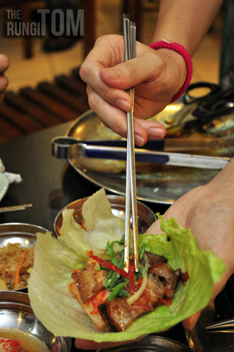 how to eat with lettuce Bintulu Korean Restaurant, Lintas Plaza