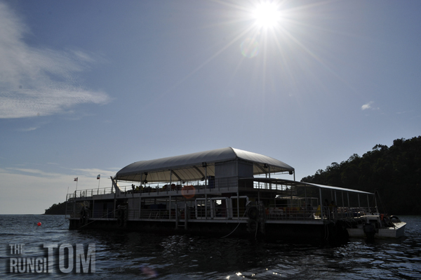 the pontoon My Waterworld: Borneo Reef World