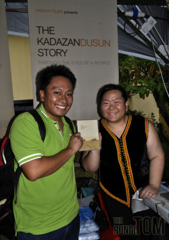 Rungitom getting The KadazanDusun Story DVD