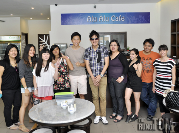 bloggers at Alu Alu Cafe Alu Alu Cafe, Jesselton Point