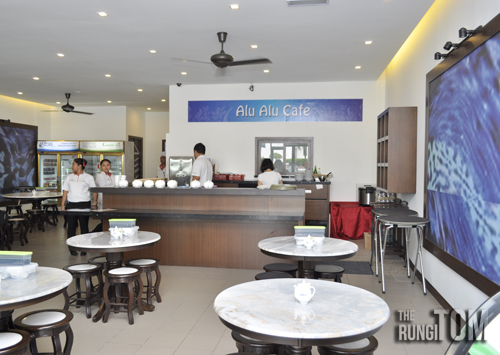 restaurant environment Alu Alu Cafe, Jesselton Point
